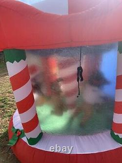 2005 Gemmy Airblown Inflatable 8 Ft. Animated Rotating Merry Christmas Carousel
