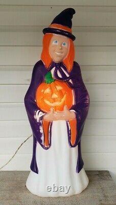 38 Grand Venture Halloween Witch withPumpkin Blowmold Rare Purple Happy