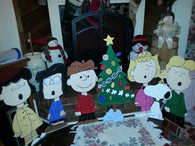 Charlie Brown Christmas Yard Art 28 In Holiday Yard Home Decor 7pcs 24 In Tall
