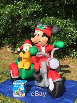 Gemmy Over 6 Mickey Mouse & Pluto Disney Lighted Christmas Airblown Inflatable