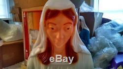 NEW 3 Piece 28 Pearl Nativity Set (Face, Hair Hands Painted) Lighted Blow Mold