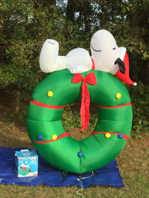 Peanuts Gemmy 7' Lighted Snoopy On Christmas Wreath Airblown Inflatable Blow-up