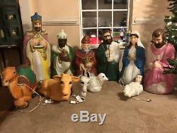 VTG. 11 Pc Set Nativity Scene Blow Mold Set