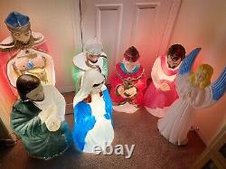 Vintage Blow Mold Nativity Scene Mary, Joseph, 3 Wisemen, Shepherd, And Angel