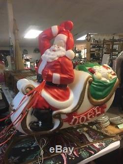 Vintage Christmas Plastic Blow Mold Santa Sleigh W Reindeer
