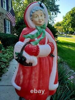 Vintage Santa's Best Mrs Santa Claus Christmas Blow Mold 40 Light Up 1996