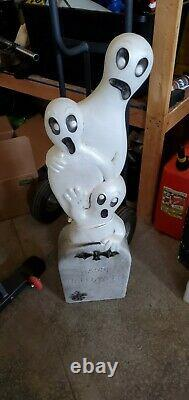 Vtg 40 Union Halloween Lighted Tombstone With Ghosts Blow Mold Don Featherstone