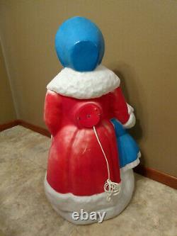 Vtg Empire Christmas Dickens Woman & Girl Christmas Caroler Blow Mold 35 Tall